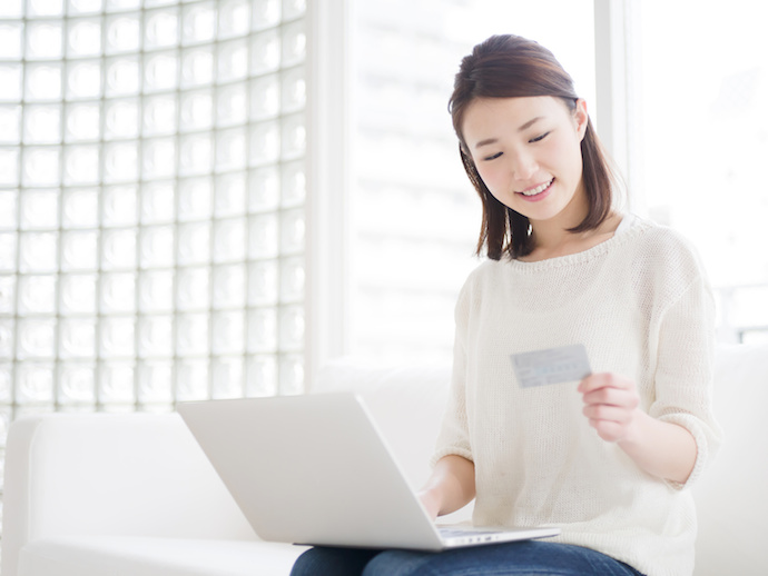 ネットショッピング・若い女性